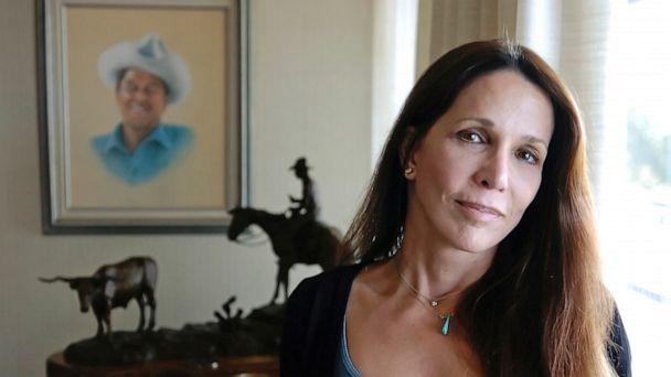 PHOTO: Patti Davis, daughter of President Ronald Reagan poses for a picture at the Ronald Reagan Presidential Library in Simi Valley, Calif., Nov. 20, 2004. (Chris Pizzello/AP, FILE)