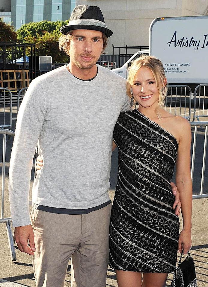 "Happy couple Dax Shepard and Kristen Bell got snapped before they even made it to the red carpet. Jeffrey Mayer/<a href=""http://www.wireimage.com"" target=""new"">WireImage.com</a> - August 14, 2011"