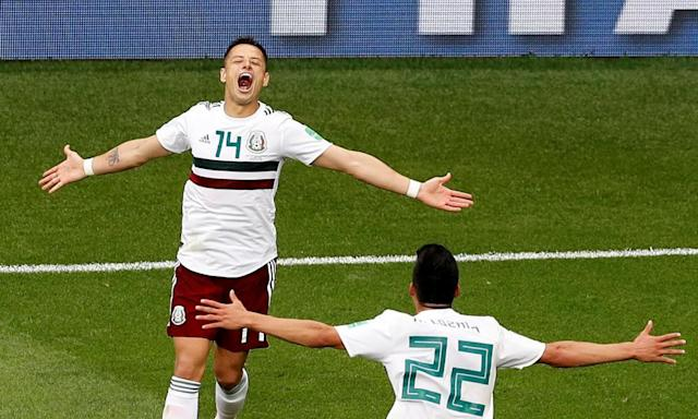 Mexico hold off South Korea to pile pressure on Germany