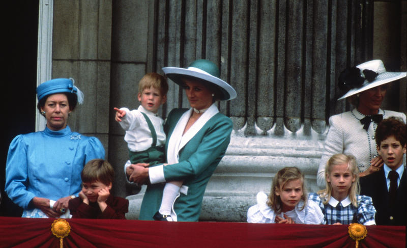 LONDON, UNITED KINGDOM - JUNE 11: Princess Margaret, Prince William, Prince Harry, Diana, Princess of Wales, Lady Rose Windsor, Lady Davina Windsor, Princess Michael of Kent and Lord Frederick Windsor stand on the balcony of Buckingham Palace following the Trooping the Colour ceremony on June 11, 1988 in London, England. (Photo by Anwar Hussein/Getty Images)