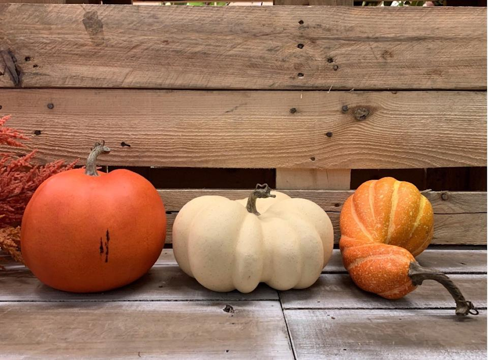 mini pumpkins in orange and white, fall decorating tips