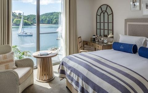 Salcombe Harbour Hotel, Salcombe bedroom