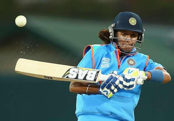 HOBART, AUSTRALIA - FEBRUARY 07: Harmanpreet Kaur of India bats during game three of the one day international series between Australia and India at Blundstone Arena on February 7, 2016 in Hobart, Australia. (Photo by Robert Cianflone/Getty Images)