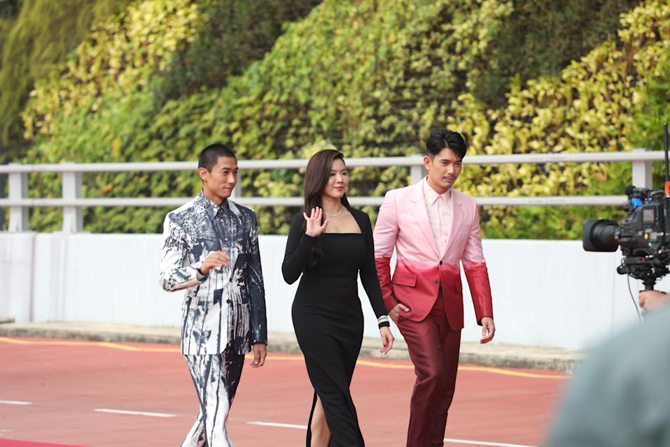 Desmond Tan, Rui En and Elvin Ng at Star Awards held at Changi Airport on 18 April 2021. (Photo: Mediacorp)