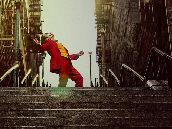 """Joaquin Phoenix dances up and down these now famous New York steps in """"Joker."""" <span class=""""copyright"""">(Warner Bros. Pictures)</span>"""