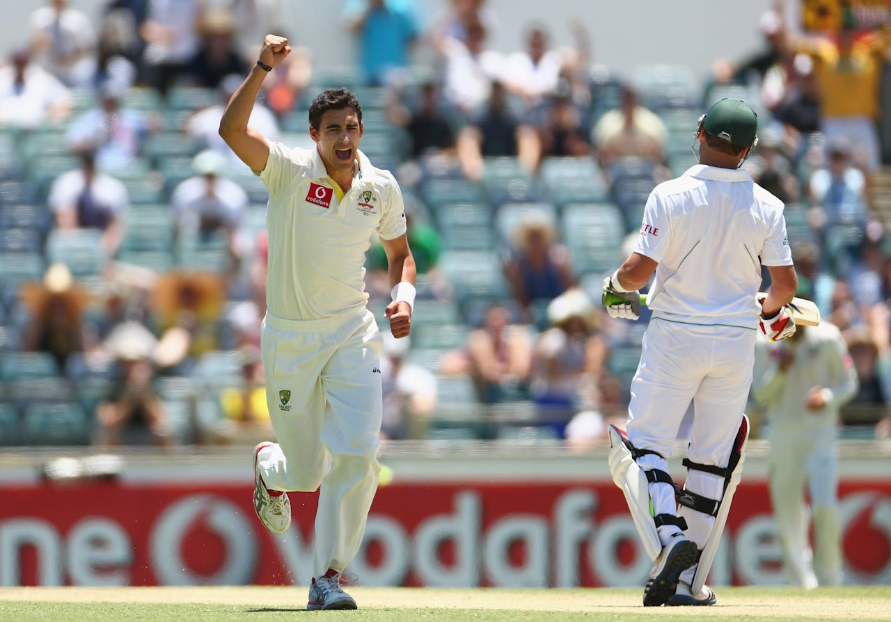 PERTH, AUSTRALIA - DECEMBER 02:  Mitchell Starc of Australia celebrates taking the wicket of Jacques Kallis of South Africa during day three of the Third Test Match between Australia and South Africa at WACA on December 2, 2012 in Perth, Australia.  (Photo by Robert Cianflone/Getty Images)