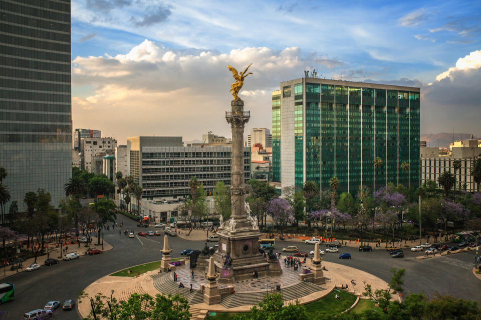 El Angel de Independencia, mexican landmark is the most important landmark in Mexico, it represents the independence from the spanish.