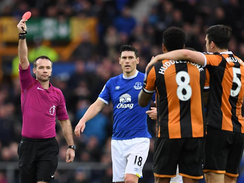 Huddlestone was handed a harsh red card (Getty)
