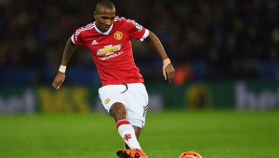 8 Disappointing Players That Manchester United Signed To