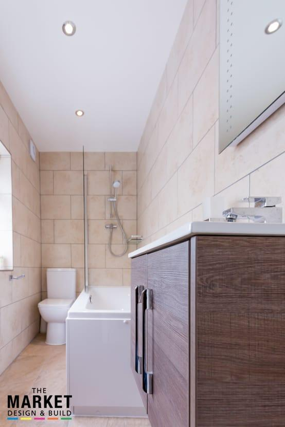 <p>What a great idea! Adding an extra bathroom on the ground floor must have made family life so much easier and while it may not be a massive space, it is perfectly up to the task of negating annoying queues before work!</p>  Credits: homify / The Market Design & Build