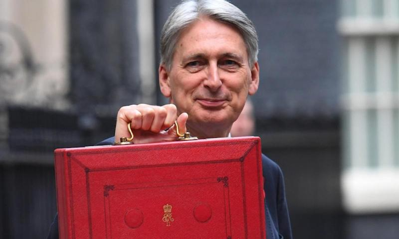 The Treasury select committee warned Hammond's claims of a Brexit 'deal dividend' lacked credibility.