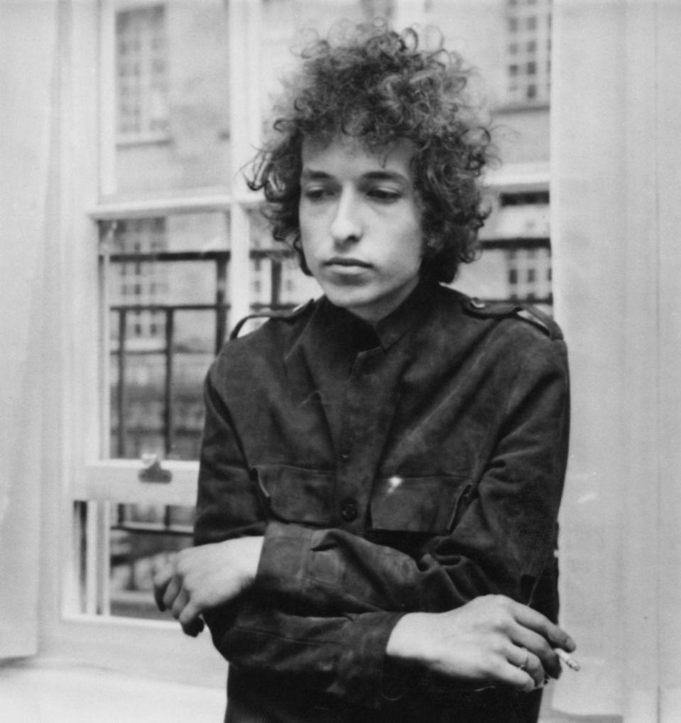 <p>Bob Dylan at a press conference in London, 1966.</p>