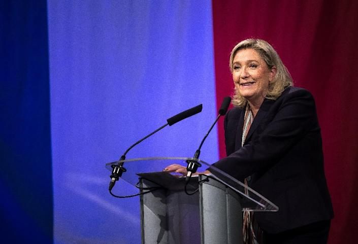 Marine Le Pen, leader of the French far-right National Front (FN) party, gives a speech in Lille, northern France, on November 30, 2015 (AFP Photo/Philippe Huguen)
