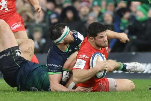 Julien Marchand (R) was one of Toulouse's try-scorers against Connacht as they qualified for the last eight of the European Champions Cup