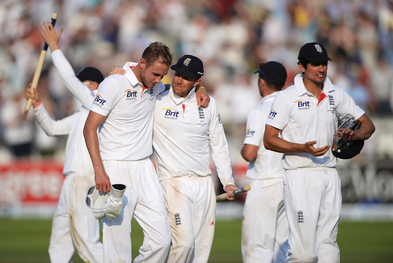 LONDON, ENGLAND - JULY 21: Stuart Broad (L), Graeme Swann and Alastair Cook (R) of England walk off after victory during day four of the 2nd Investec Ashes Test match between England and Australia at Lord's Cricket Ground on July 21, 2013 in London, England. (Photo by Gareth Copley/Getty Images)