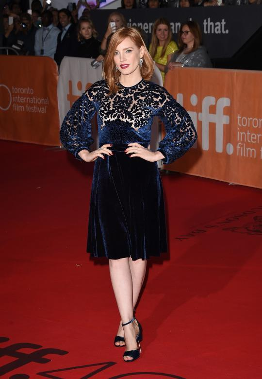 <p>The only thing Jessica Chastain was missing on the red carpet at 'The Martian' premiere in this navy blue Givenchy dress was some face jewelry and she could've hit the runway at fashion week.</p>