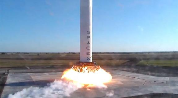 Private Reusable Rocket Prototype Takes 2-Story Test Hop
