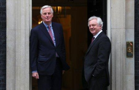 Britain's Secretary of State for Exiting the European Union David Davis welcomes the European Union's chief Brexit negotiator Michel Barnier to Downing Street in London, February 5, 2018. REUTERS/Hannah Mckay