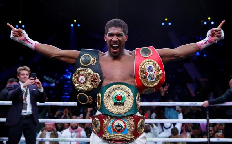 Joshua hopes to welcome fans for title clash against Pulev