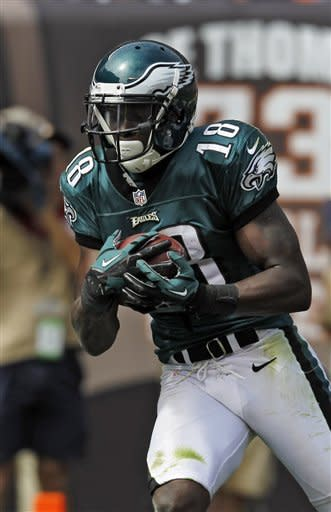 Philadelphia Eagles wide receiver Jeremy Maclin catches an 18-yard touchdown pass in the second quarter of an NFL football game against the Cleveland Browns, Sunday, Sept. 9, 2012, in Cleveland. (AP Photo/Ron Schwane)