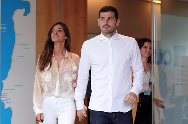 Sara Carbonero announced she was diagnosed with cancer weeks after her husband, Iker Casillas, had a heart attack. (AP Foto/Luis Vieira)