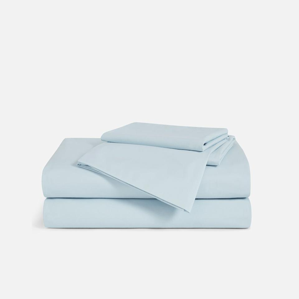"<p>In the world of winter-ready bedding, there are two camps: those who like super-soft and snuggly jersey and fuzzy flannel, and those who prefer a silkier sheet. For those who fall into the latter group, we present Brooklinen's Luxe Sateen Sheets. With a 480 thread count and a slightly luminous sheen, these cotton sheets are luxuriously smooth. </p> <p><strong>To buy: </strong>$149 for queen, <a href=""https://shareasale.com/r.cfm?b=845039&u=1772040&m=64892&urllink=https%3A//www.brooklinen.com/products/luxe-core-sheet-set%3F&afftrack=RS%252CTheBestCozyWinterSheetstoSnuggleUpIn%252Ckholdefehr1271%252CDEC%252CIMA%252C676208%252C201909%252CI"" target=""_blank"">brooklinen.com</a>. </p>"