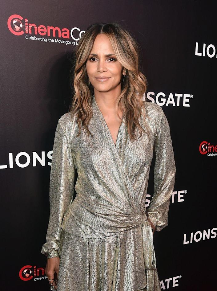 """<p>Though balayage is ever-popular, those chunky highlights of the 90s are making a bit of a resurgence—and the sun-kissed looks are especially stunning against darker skin tones, says John Whelan of <a href=""""http://eliutsalon.com/"""" rel=""""nofollow noopener"""" target=""""_blank"""" data-ylk=""""slk:Eliut Salon"""" class=""""link rapid-noclick-resp"""">Eliut Salon</a> in New York City. <br></p>"""