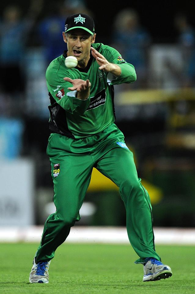 BRISBANE, AUSTRALIA - JANUARY 03:  David Hussey of the Stars fields during the Big Bash League match between the Brisbane Heat and the Melbourne Stars at The Gabba on January 3, 2013 in Brisbane, Australia.  (Photo by Matt Roberts/Getty Images)