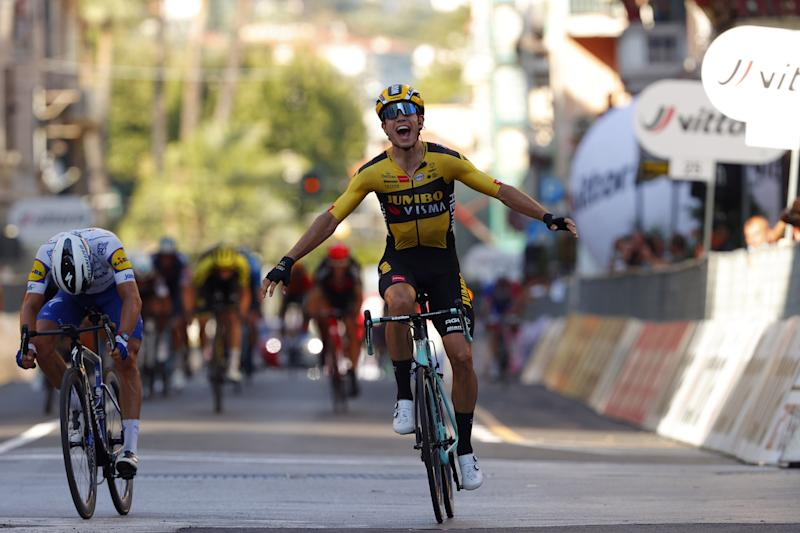 Alaphilippe bows his head in defeat