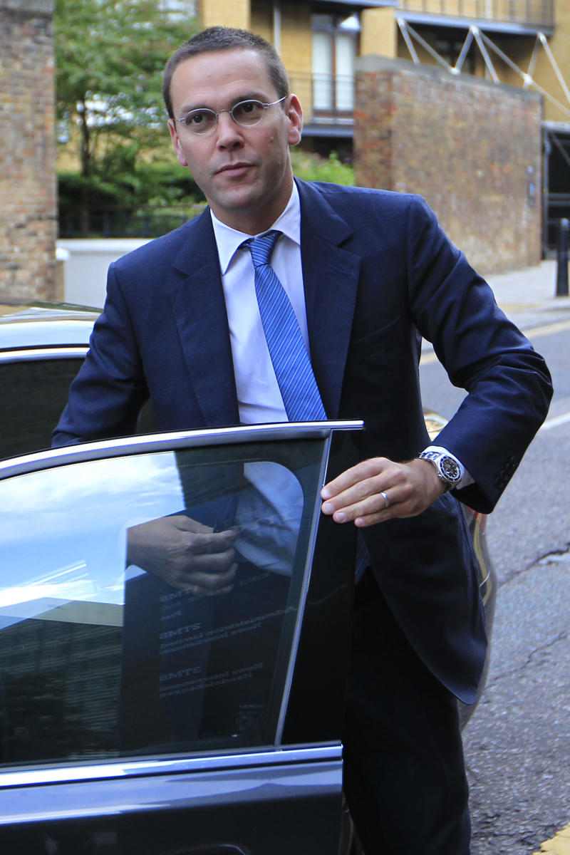 FILE - In this July 19, 2011 file photo, chief executive of News Corporation for Europe and Asia, James Murdoch, arrives at the News International headquarters in London.  Rupert Murdoch's News Corp. says James Murdoch is stepping down as executive chairman of the company's U.K. newspaper arm.  News Corp. said Wednesday Feb. 29, 2012 James Murdoch has relinquished his position at News International to focus on the company's international TV business. (AP Photo/Sang Tan, file)