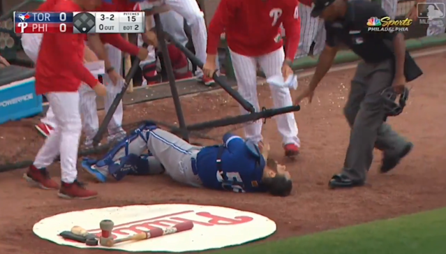 Watch Blue Jays catcher Russell Martin collide with the foul netting in spectacular fashion on Tuesday afternoon.