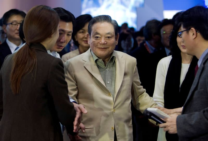 FILE PHOTO: Samsung Electronics Chairman Lee meets with reporters after touring the Samsung booth at the CES in Las Vegas