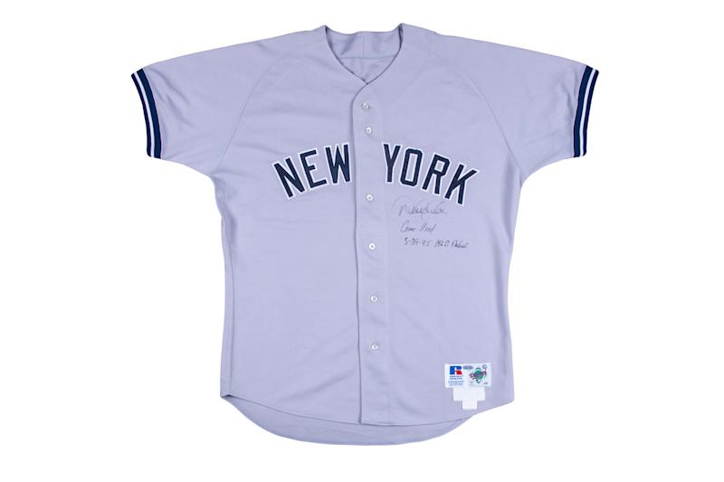 Derek Jeter batted .250 in his first MLB campaign. (Goldin Auctions)