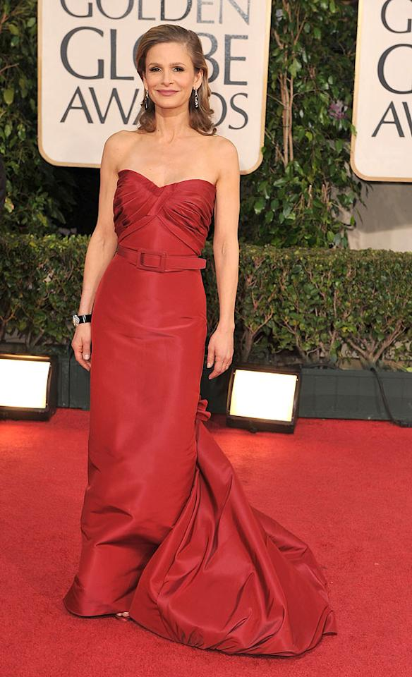 "Kyra Sedgwick (""The Closer"") looked flawless in a cherry red Oscar de la Renta belted number. Steve Granitz/<a href=""http://www.wireimage.com"" target=""new"">WireImage.com</a> - January 11, 2009"