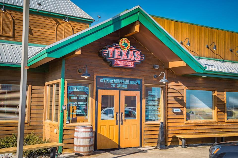 """<p>For reopened locations, Texas Roadhouse requires gloves, masks and temperature checks for all employees. For their part, customers are encouraged to practice social distancing and frequently wash their hands. People with any sickness symptoms or who are <a href=""""https://www.theactivetimes.com/coronavirus-tips-friend-family-member?referrer=yahoo&category=beauty_food&include_utm=1&utm_medium=referral&utm_source=yahoo&utm_campaign=feed"""" rel=""""nofollow noopener"""" target=""""_blank"""" data-ylk=""""slk:in contact with a person who has coronavirus"""" class=""""link rapid-noclick-resp"""">in contact with a person who has coronavirus</a> or any other respiratory illness are encouraged to not visit any Texas Roadhouse location.</p>"""