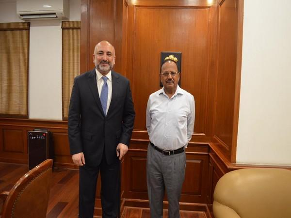 Afghan Foreign Minister Mohammad Haneef Atmar with NSA Ajit Doval (Source: Twitter/Mohammad Haneef Atmar)
