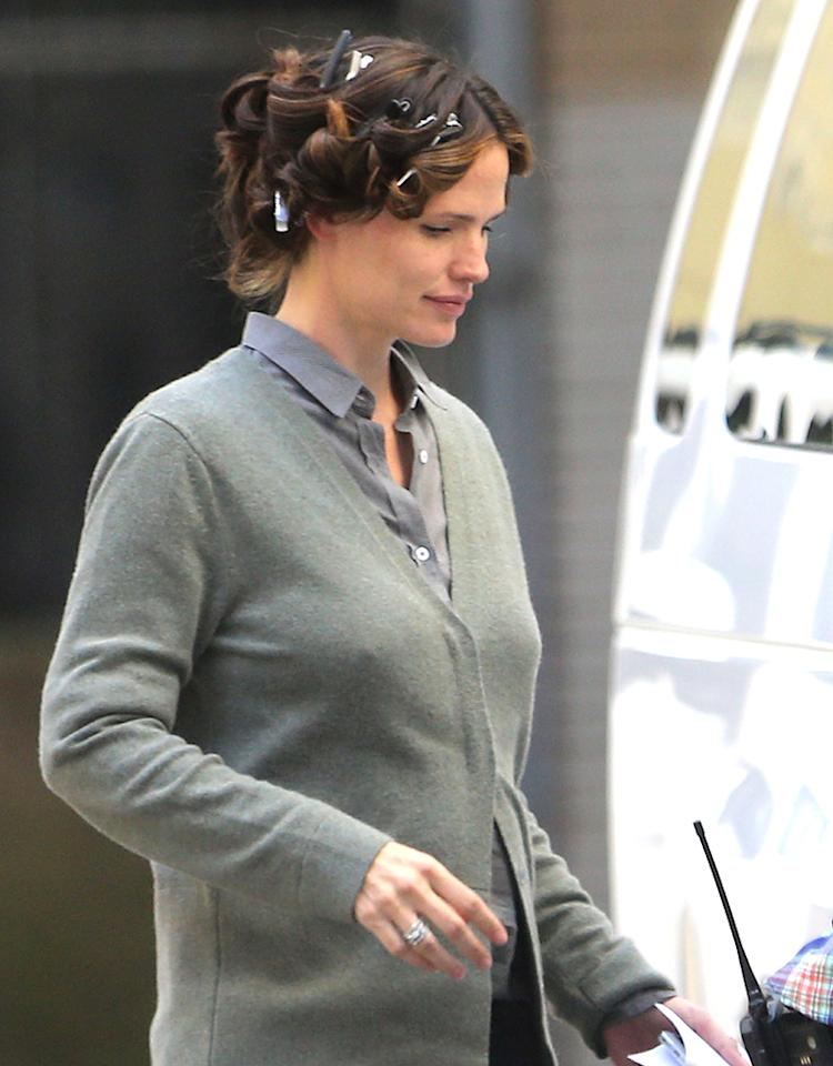 Jennifer Garner with her hair in curlers on the set of 'The Dallas Buyers Club' in New Orleans.