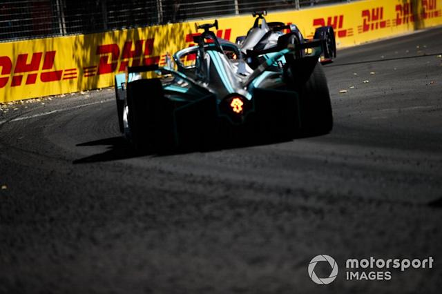 "Mitch Evans, Jaguar Racing, Jaguar I-Type 3, follows Robin Frijns, Envision Virgin Racing, Audi e-tron FE05 <span class=""copyright"">Joe Portlock / Motorsport Images</span>"