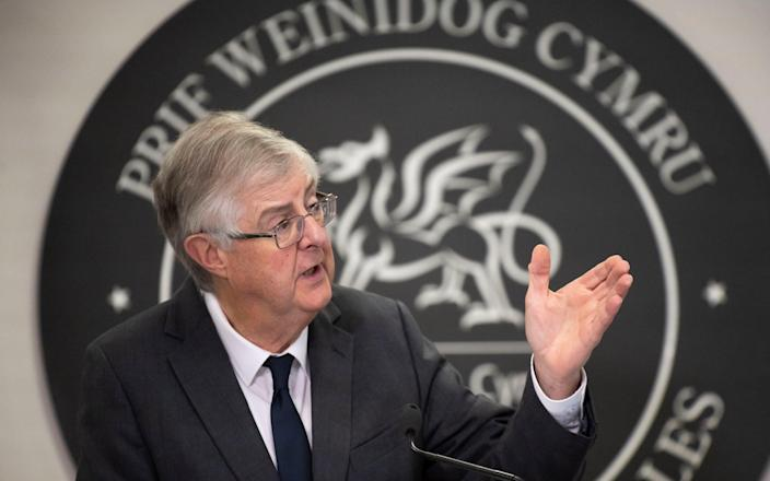 Mark Drakeford has written to Boris Johnson urging him to prevent cross border travel as rates continue to climb
