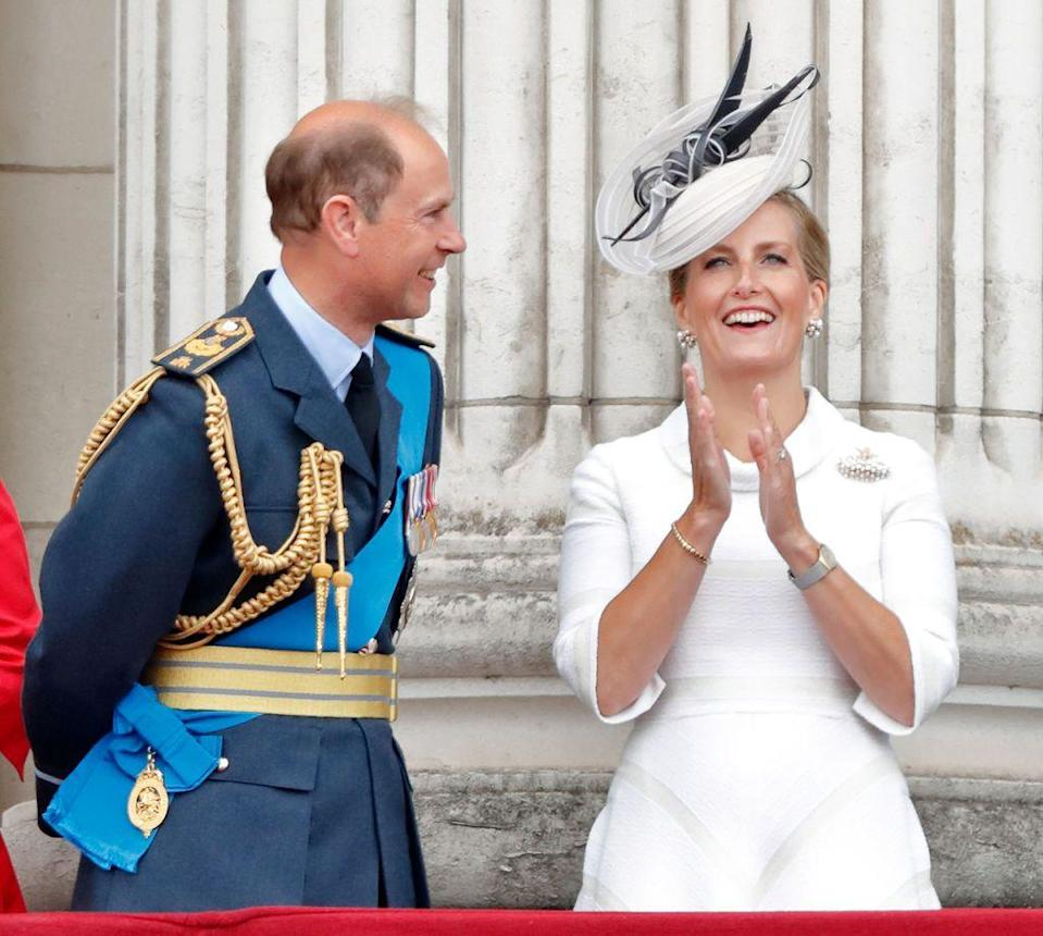 <p>Sophie in all white up on the Buckingham Palace balcony for the 100th anniversary of the RAF.</p>