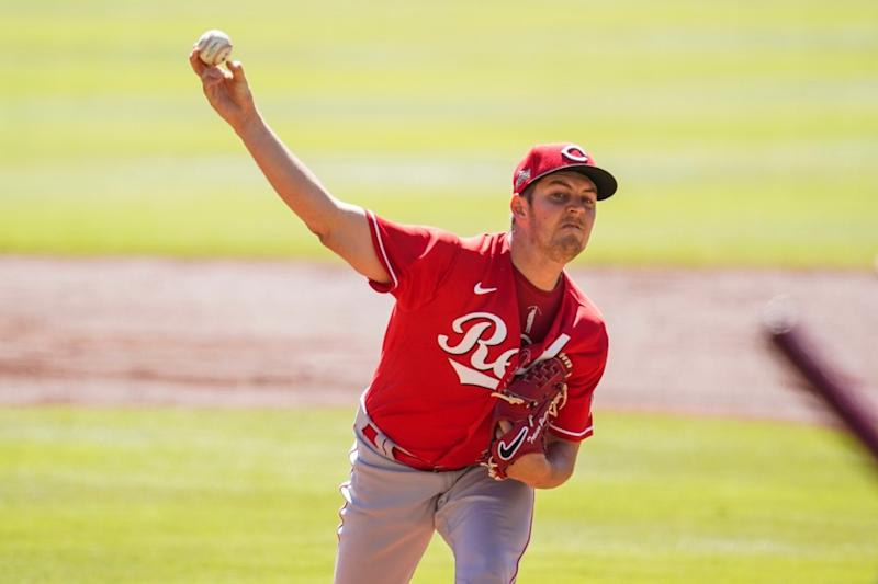 Trevor Bauer pitching with Reds (good image, not cropped)
