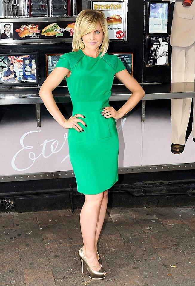 "The day before the big premiere, the stars of ""American Pie: Reunion"" -- including Mena Suvari -- took part in a photo shoot at Woolloomooloo Wharf in Sydney. What do you make of Mena's flirty green frock, gold peep-toe pumps, and freshly highlighted locks? Hot or not? (3/6/2012)<br><br><a target=""_blank"" href=""http://bit.ly/lifeontheMlist"">Follow 2 Hot 2 Handle creator, Matt Whifield, on Twitter!</a>"