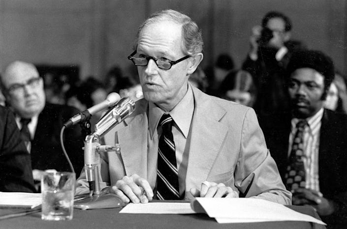 <p>E. Howard Hunt speaks to a question from the counsel for the Senate Watergate Committee, Sept. 24, 1973. Hunt, a former agent with the Central Intelligence Agency, was a convicted Watergate conspirator. (Photo: AP) </p>