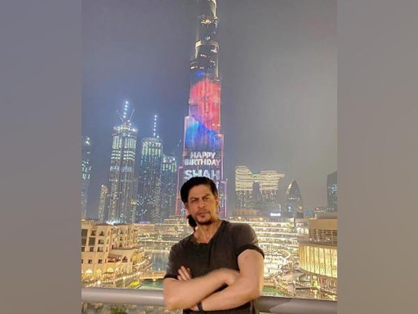 Megastar Shah Rukh Khan poses at Dubai's Burj Khalifa. (Image Source: Instagram)
