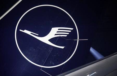 Lufthansa second-quarter earnings fall on rising fuel costs and price wars