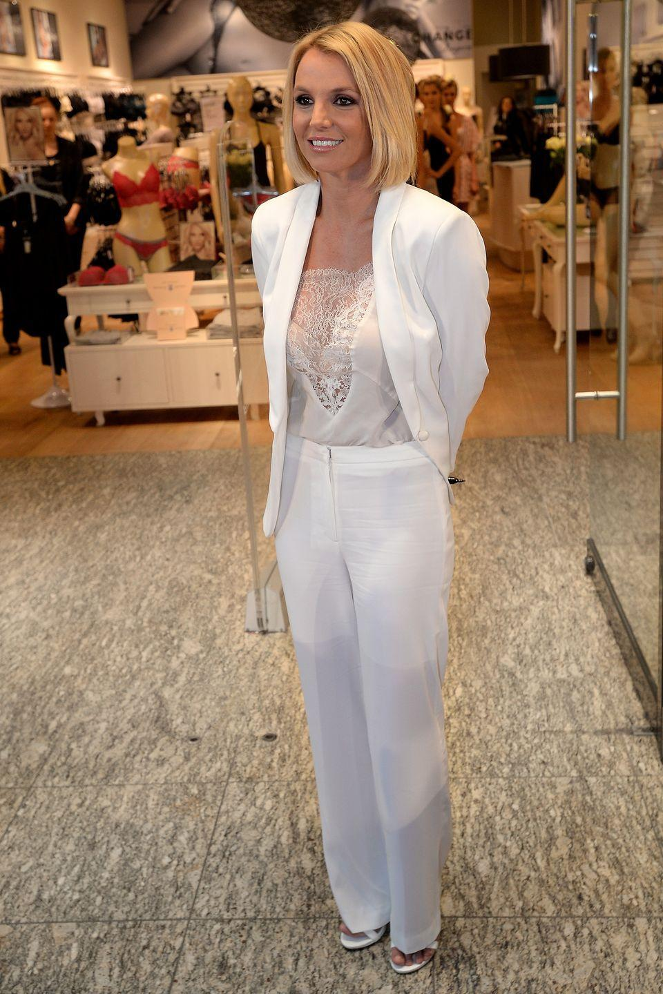 <p>Okaaaaay Ms. Britney showing us up with some white party realness. And that lil' bob?! Trés cute. </p>