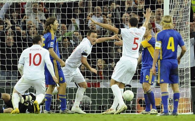 John Terry (centre) scored a later winner when the sides met at Wembley in 2009 (Rebecca Naden/PA).