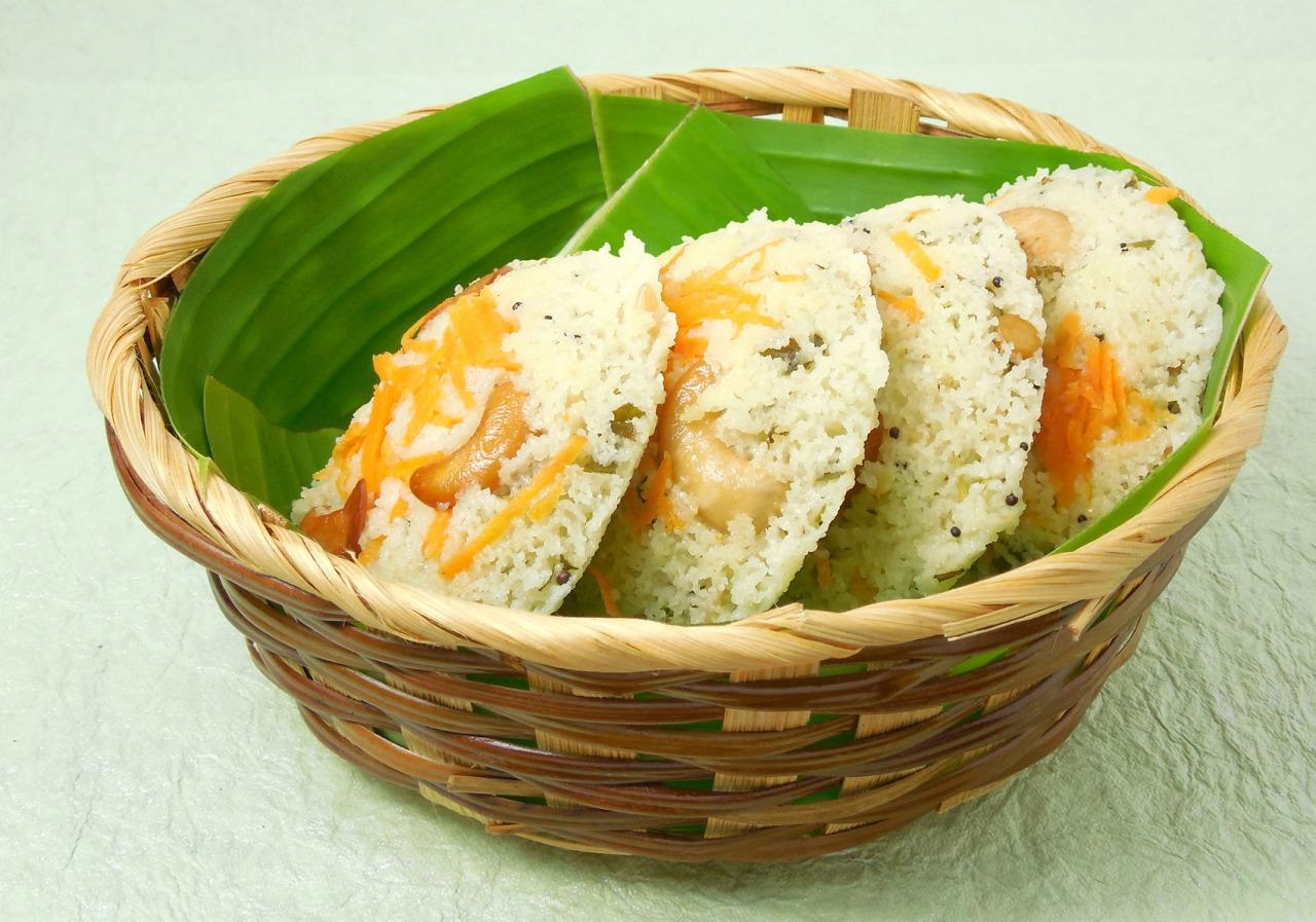 <p><b><br /></b>According to Mavalli Tiffin Rooms (MTR), during the WWII when rice, India's staple diet, was in short supply, MTR experimented in making idlis using Rava (or semolina). Now we know whom to thank for the yummy dish.</p><p><b><br /></b></p>