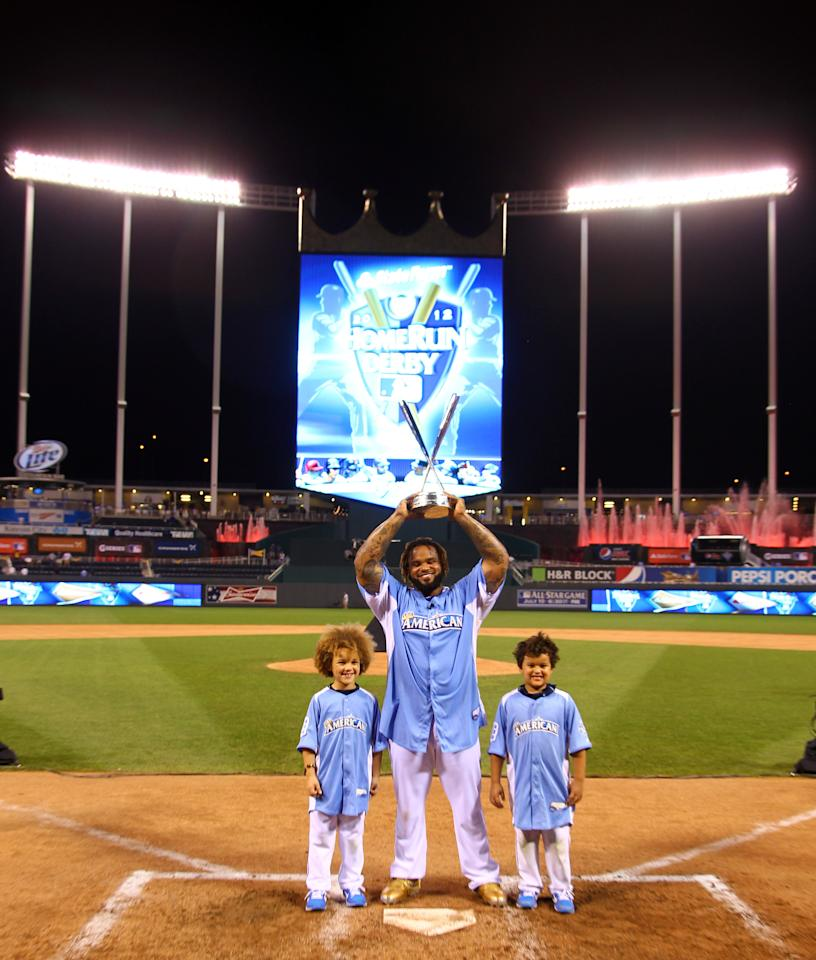 KANSAS CITY, MO - JULY 09:  American League All-Star Prince Fielder #28 of the Detroit Tigers poses with sons Jaden (L) and Haven (R) after winning the State Farm Home Run Derby at Kauffman Stadium on July 9, 2012 in Kansas City, Missouri.  (Photo by Dilip Vishwanat/Getty Images)