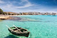 "<p>Every one knows Greece is bloody beautiful, but rather than going for the high price tags of Santorini and Mykonos, <a href=""https://www.travelsupermarket.com/en-gb/blog/inspiration/the-best-destinations-for-a-budget-honeymoon/"" rel=""nofollow noopener"" target=""_blank"" data-ylk=""slk:Travel Supermarket"" class=""link rapid-noclick-resp"">Travel Supermarket</a> recommends checking out the lesser known islands such as Koufonisia or Sifnos, or even Peloponnese peninsula, which has the same beautiful cost line at a more affordable price. </p>"